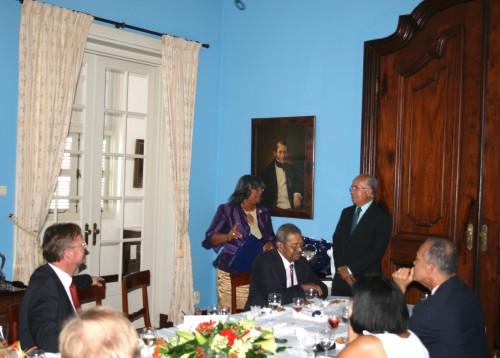 Bijeenkomst d.d.  19 augustus 2011 ter afscheid van onder meer mevr. M. M. Leetz - Cijntje als lid van de Raad van Advies